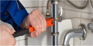 Top 4 Key Factors To Consider When Choosing A Plumber